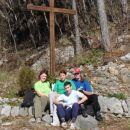 Luka, Jani, Glorija, Barbara... počitek med vzponom na Sveto goro