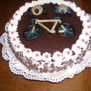 Skutna smetanova torta z breskvami