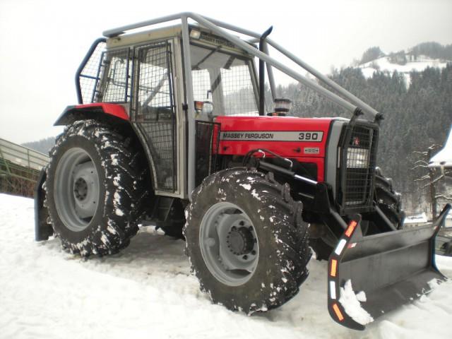 Traktor - foto