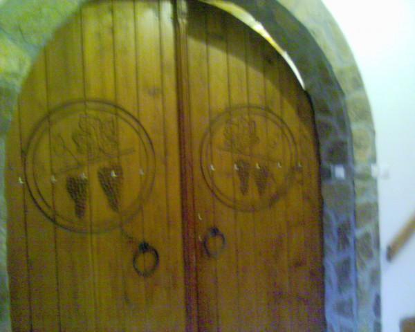 Vhod v klet-strogo prepovedan brez kozarca :))