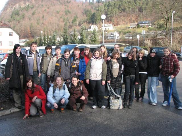December 2007 - Skupinsko slikanje pred obiskom mladih v ZUIM-u Kamnik.