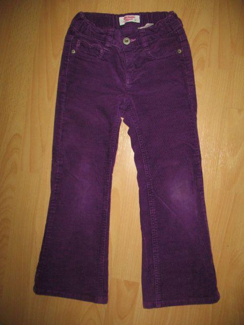 Oshkosh žametne hlače 5 let