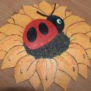 Ta sončnica iz lesa pa služi za obešanje nakita