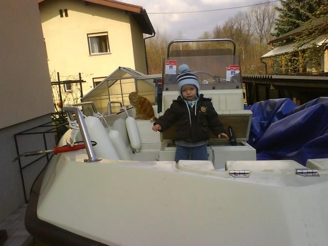 čoln - foto
