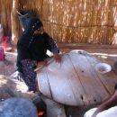 obisk berberske vasi in prikaz peke kruha