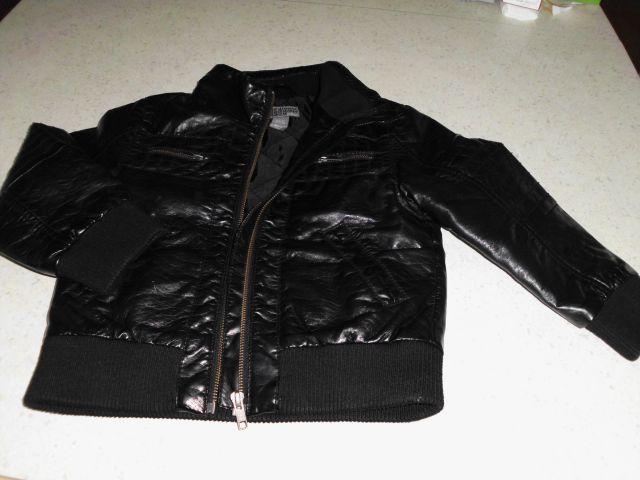 H&m usnjena jakna 110