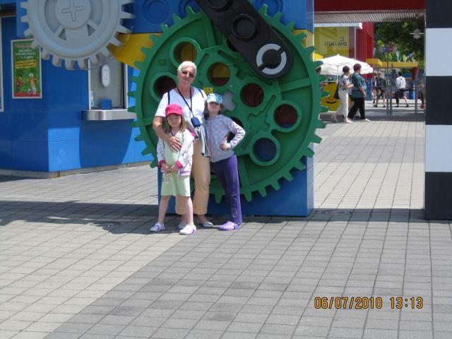 Punci na počitnicah pri babici in dediju - foto