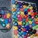 pobarvana jajca iz stiropora in napihljive barve