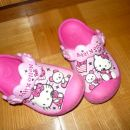 Crocs hello kitty 8/9