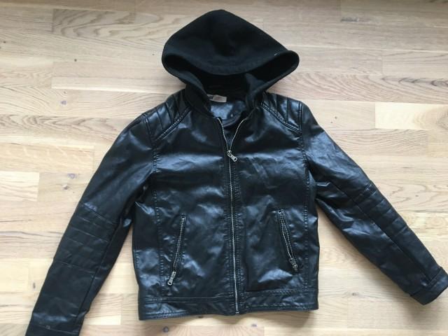 Usnjena jakna s kapuco 10-11 let