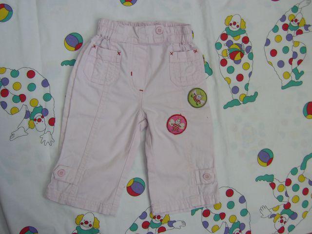Tanjše hlače v 68 cena 2 eur raho roza barva