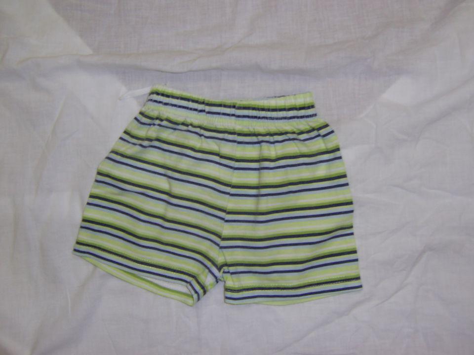 kratke hlače v 68 cena 1 eur