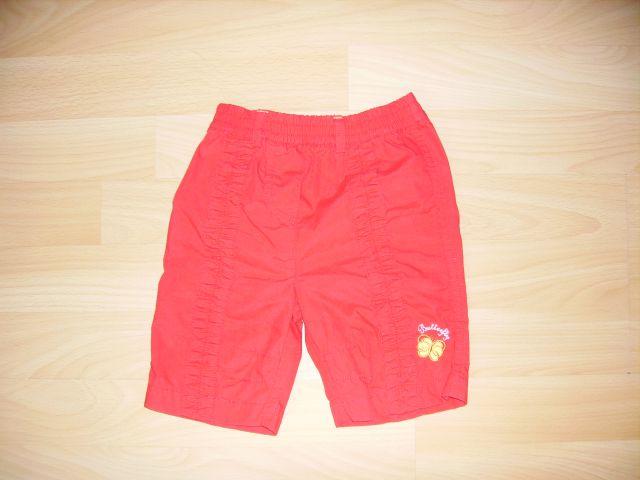 3/4 hlače v 68 cena 2 eur rdeča barva oblečene 1 krat