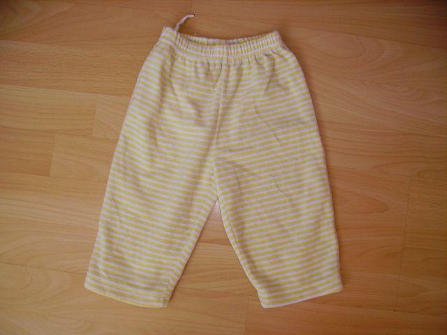 Plišaste hlače dino v 68 cena 2 eur