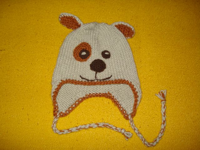 Ročno pletena kapa kuža