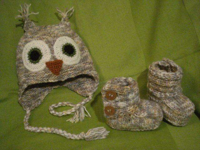 Ročno pletena kapa sova in copaki