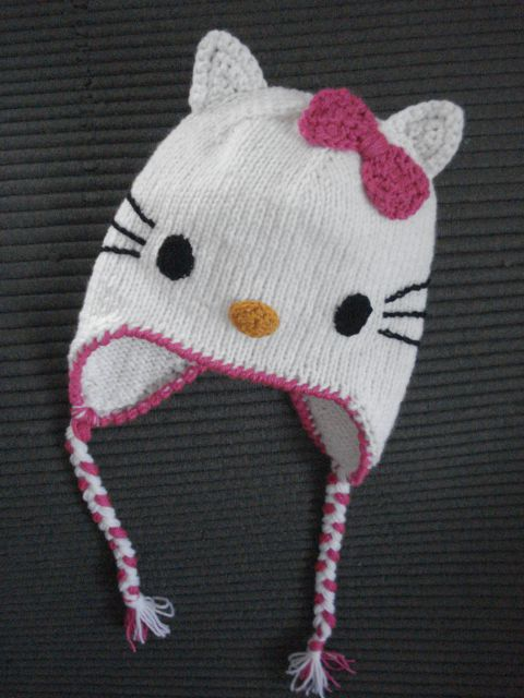 Ročno pletena kapa Hello Kitty