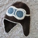 Ročno pletena kapa pilot
