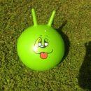 žoga za skakanje z motivom, cena 5 eur