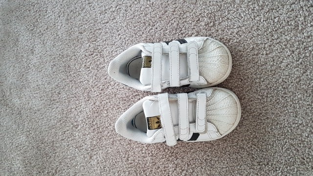 Adidas superstar UK8 ( 25.5) - 18.00 eur