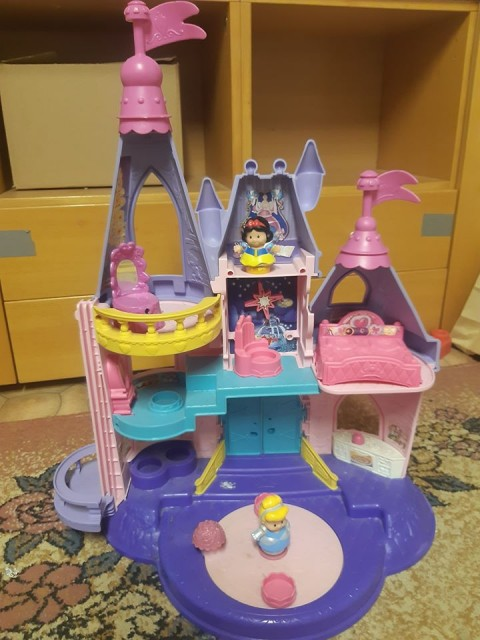 LITTLE PEOPLE FISHER PRICE PRINCESS CASTLE