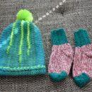 Topla volnena kapica in nogavičke