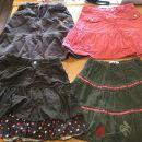 Komplet kril in oblekice za puncko 5-7 letProdam v kompletu 18, lepo ohranjene