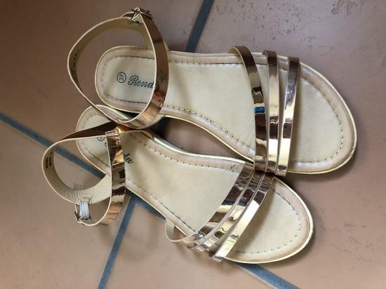 Zlati sandalčki - foto