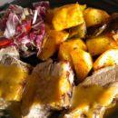 Pečen krompir in pečena sv. rebra z lovsko omako