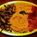 Gobice na žaru, žafranov riž, pečen paradižnik