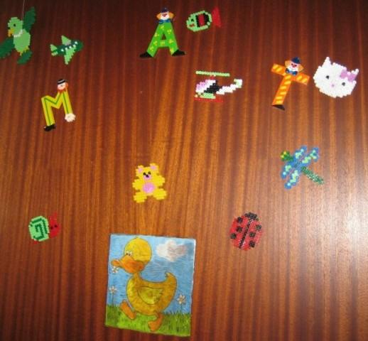 Račka:servetna tehnika+lepljive barve za steklo. Ptička,ribica,Kitty,letalo,medo,pikapolo