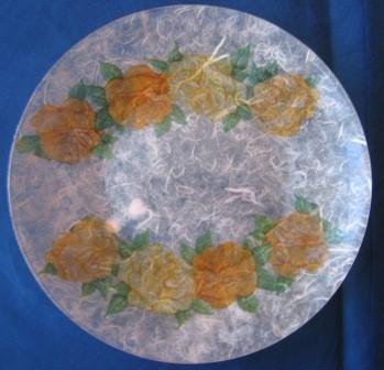 Oranžne vrtnice in rižev papir