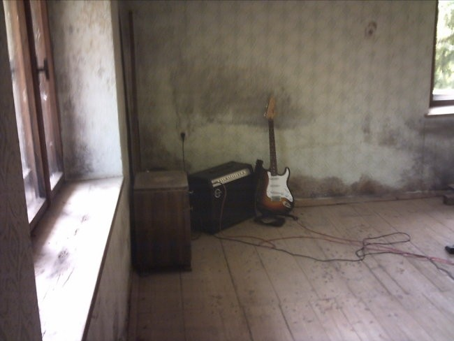 En poskus (2005) - foto povečava