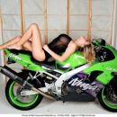 Moto chicks