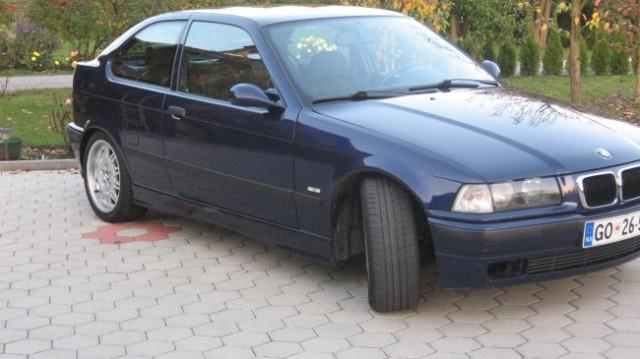 BMW 323 ti - foto