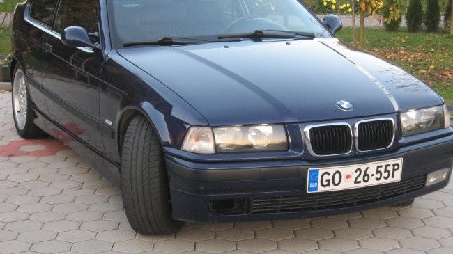BMW 323 ti - foto povečava