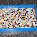 Pladenj z mozaikom iz steklenih ploščic