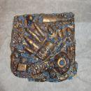 Kalup narejen v glini, prelito z gipsom.