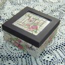 Škatlica kot darilo za prijateljico