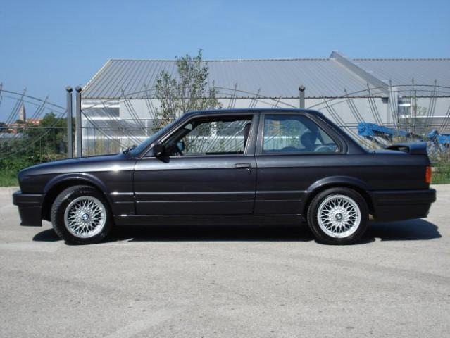 BMW E30 325i - foto
