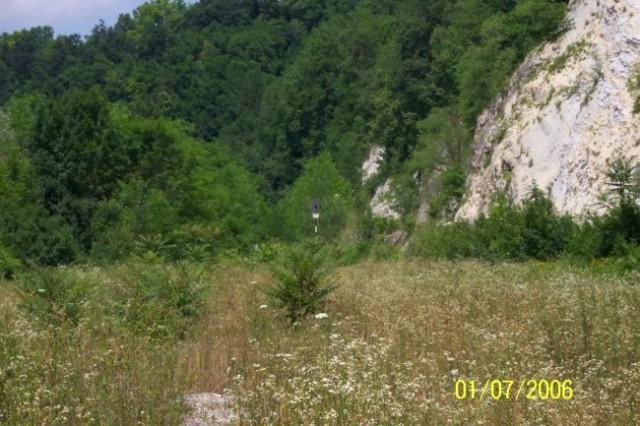 Kumorvec  - Zagorska sela (vidi se samo signal, od pruge ništa...)