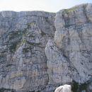 Turn s poti Anita Goitan; slikano s terase pod Malo špico