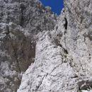 Spodnji prag v grapi, po kateri poteka pristop na Divjo kozo