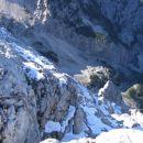 Novozapadli sneg na senčni strani Rjavine