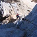 Zahteven (kljub dvema klinoma) prehod v navpični steni stolpa Torrione Gianni (ferrata Gia