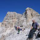 Na vrhu Punta Anna (2731 m); v ozadju vrh Tofane di Mezzo z zgornjo postajo žičnice