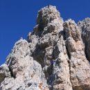 Vzpon na ta strmi stolp je eno težjih mest ferrate Giuseppe Olivieri na Punta Anno