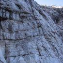 Zgornji del poti Via della Vita (stena z verigo, ozka polička, izstopna zajeda)