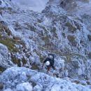 V Tumovi smeri; spodaj je vidna grapa, v kateri sva začela s plezanjem