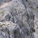 Zgornji del prehoda iz Martuljka na Grlo (melišče desno spodaj pomeni veliko teraso sredi